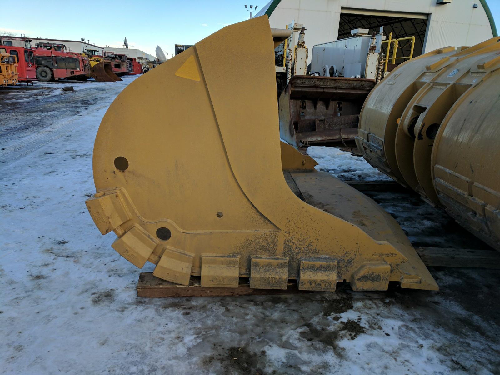 R1700G 8.6 Cubic Yard High Penetration Bucket